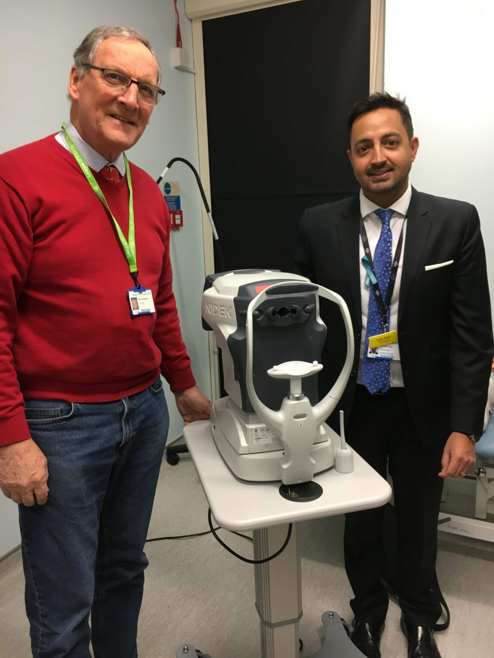 OPHTHALMIC DEPARTMENT RECEIVES SPECULAR MICROSCOPE
